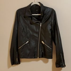 Forever 21 black faux-leather moto jacket M